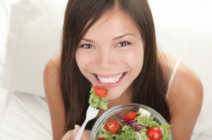 Woman-eating-Salad-skin